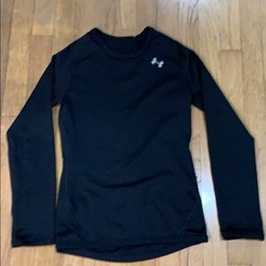 Under armour large youth black top